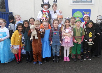 Year 1 Dress Up for Alice in Wonderland