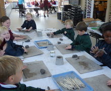 Pp2w pottery snails and with 5v in art lesson 026
