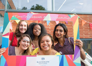 Alumnae Dazzle at Summer Garden Party