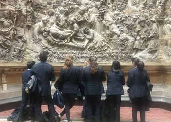 Year 8 Rewards Trip to the V&A Museum