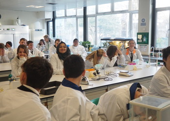 Y10 Science Taster at CCCU