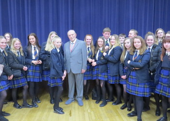 Students meet Auschwitz survivor Leslie Kleinman