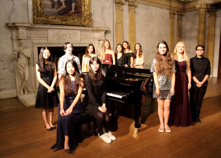 New Piano Strikes the Right Chord at Maestro Concert