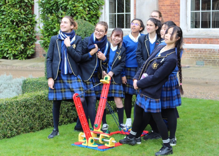 Royal Navy Bring STEM to School