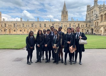Y10 students on the Horizons Programme @ Christ Church College, Oxford University
