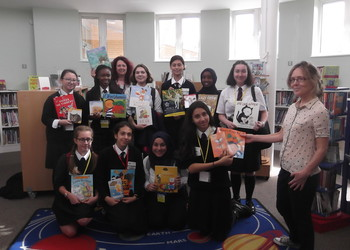 School Library visit to Frith Manor Primary School