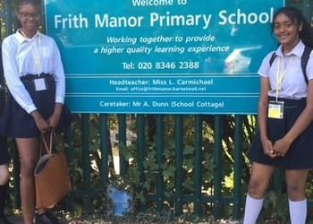 Year 9 Drama students visit Frith Manor