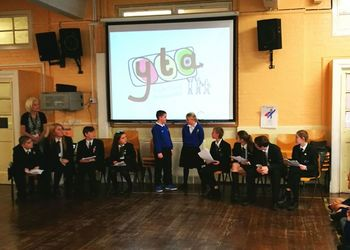 Youth Travel Ambassadors Present to Greenwich Primary Schools