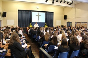 Yr 11 leavers mass 2016 2