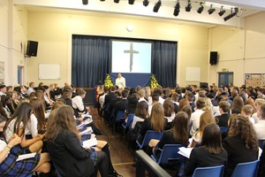 Yr 11 leavers mass 2016 3