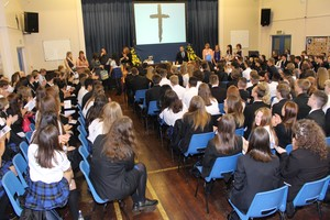 Yr 11 leavers mass 2016 12