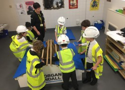 Pupils take on building challenge