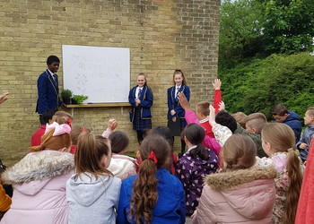 Forestdale Primary visit the Edible Garden