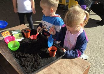Outdoor Learning in Early Years at Pine Ridge