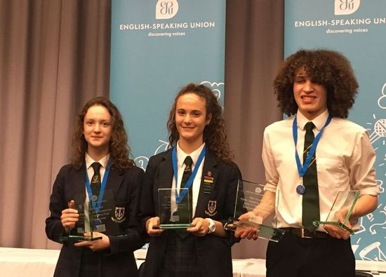 Year 11 students win 2nd place in nationwide English speaking competition