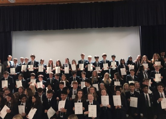 Deputy Lieutenant presents awards to Duke of Edinburgh award winners!
